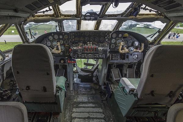 Ту-114 кабина
