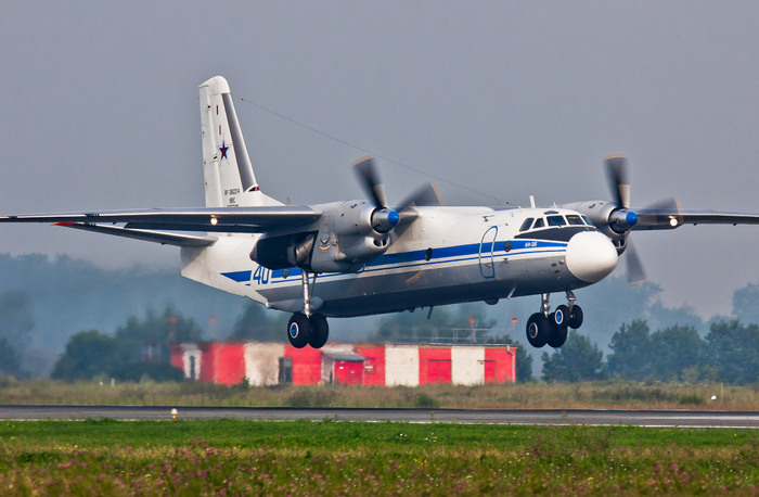 АН-26 посадка