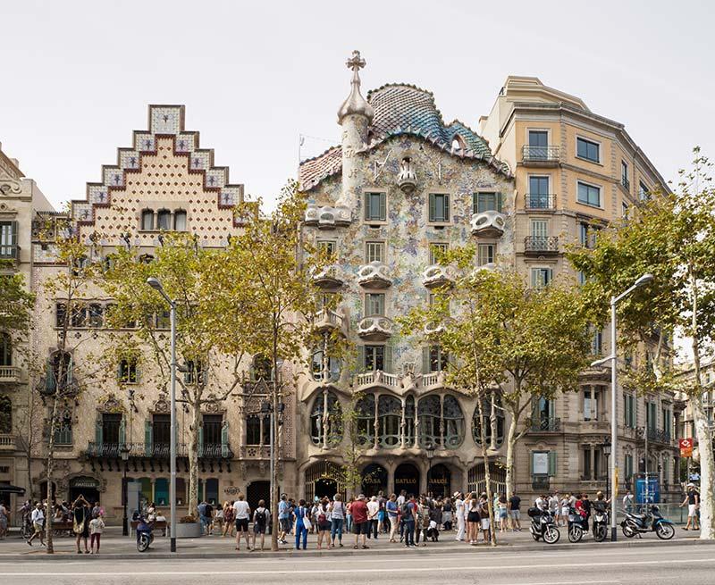 11. Дом Бальо в Барселоне