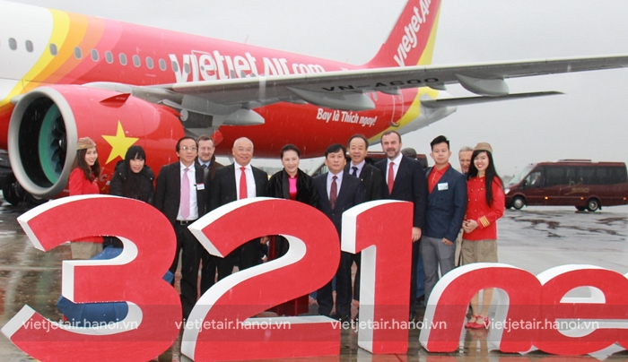 Vietjet nhận bàn giao máy bay thế hệ mới A321neo tại Pháp