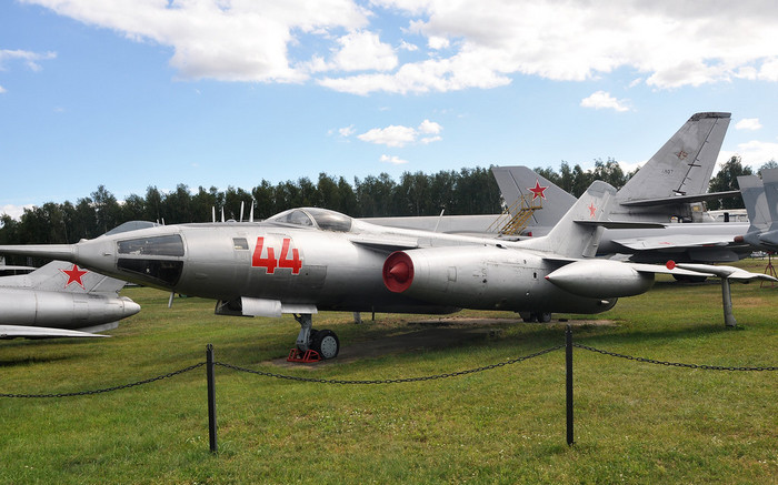 Самолёт Як-28