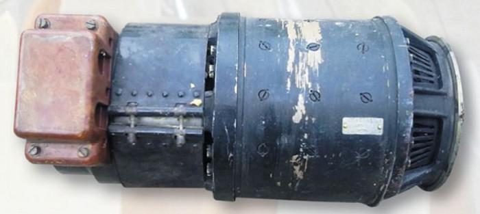Часть бортовой системы электроснабжения самолета: преобразователь тока