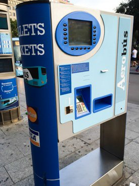 Автомат по продаже билетов на автобус Aerobus в Т2