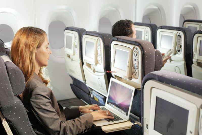 С ноутбуком в самолете