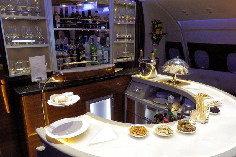 Бар в бизнес классе аэробуса A380