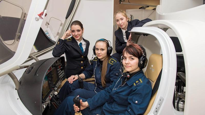 Пилотессы в России: как стать