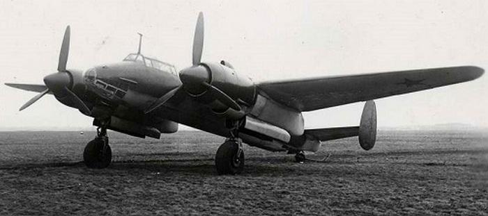 Ту-2 пикирующий бомбардировщик