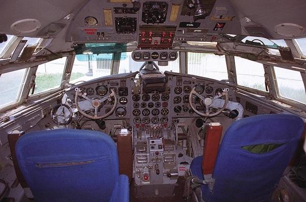 Ил-18 кабина