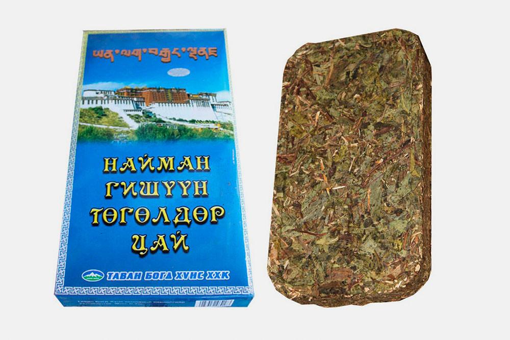 Ногоон сай на бурятском означает «зеленый чай». Его прессуют в плоский кирпичик и варят с молоком. Иногда его солят и добавляют жир, но так делают редко, как правило, для экстремалов
