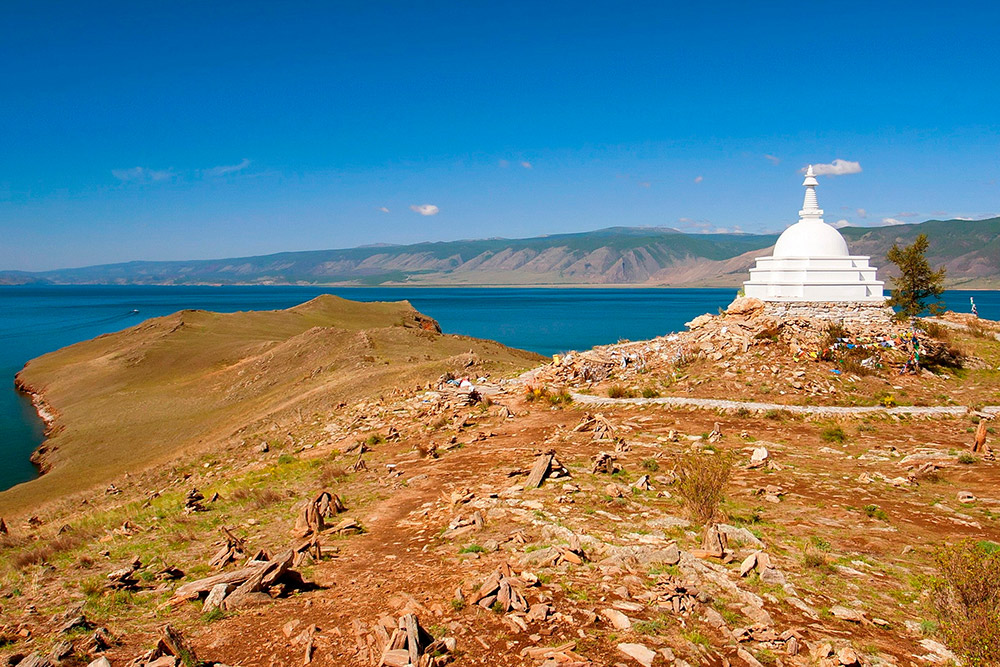 Буддийская ступа на острове Огой. Фото: Shutterstock