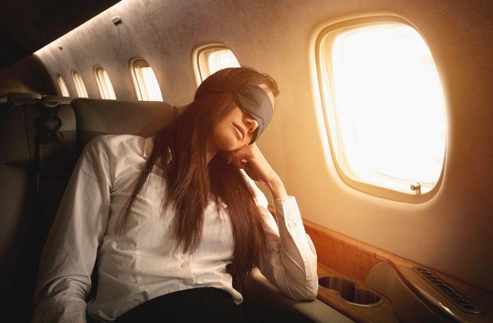 Уснуть в самолете во время полета