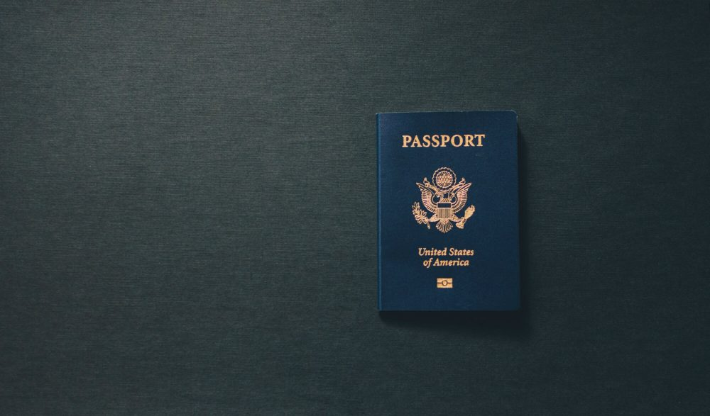 Надо ли менять загранпаспорт после смены фамилии
