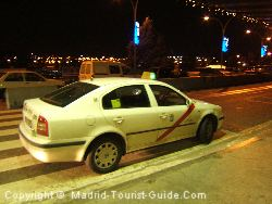 Машины официального мадридского такси выкрашены в белый цвет