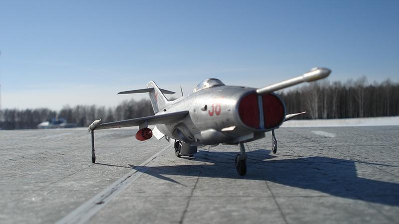 Первый самолет с вертикальным взлетом в России