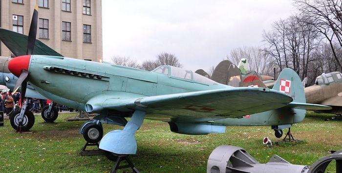 Самолёт ЯК-9