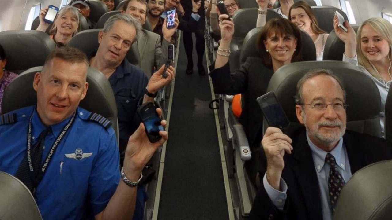 телефоны на борту самолёта